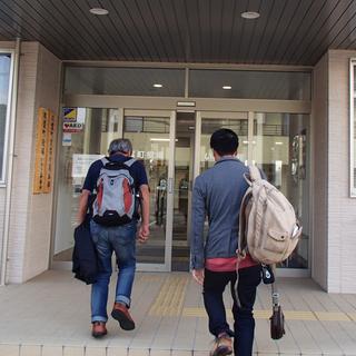 2_役場玄関.JPG